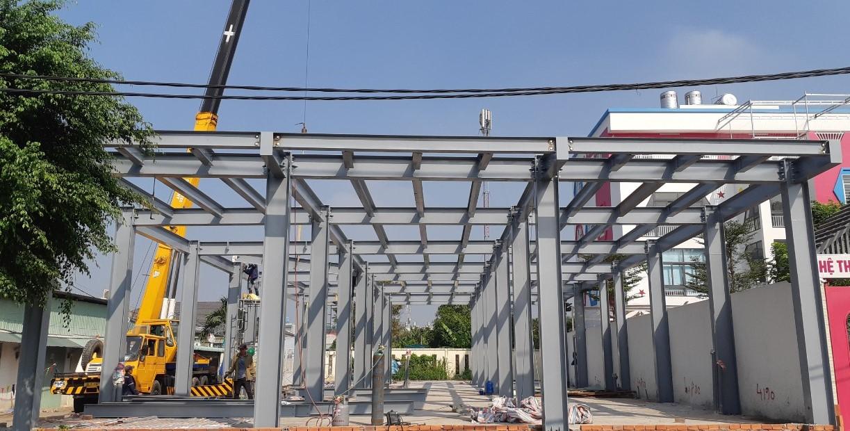 khung nhà tiề chế do công ty thương mại cơ khí xây dựng gia bảo lắp dựng